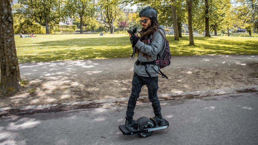vince on a onewheel XR