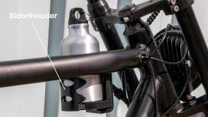 Ingebouwde bekerhouder op de Knaap bike